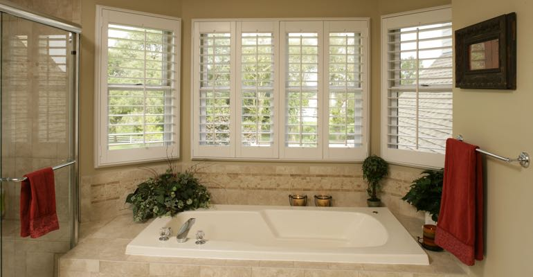 Plantation shutters in Dallas bathroom.