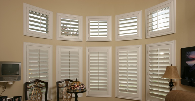 Bay window shutters Dallas home office