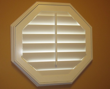 Dallas octagon window shutter